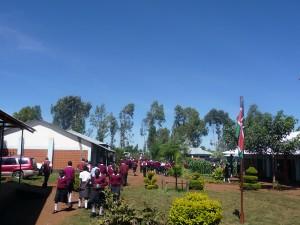In nur 6 Jahren zum Vorzeigeprojekt: Die Ugari Secondary School ermöglicht inzwischen 400 SchülerInnen aus nah und fern eine bessere Zukunft.