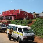Matatu (bestes Fortbewegungsmittel in Kenya normale Kapazität 14 Personen- mein Rekord 21 Personen)