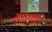 Das Engagement der Wiltener Sängerknaben lässt die Kinder von Ugari strahlen