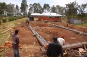 Zum Bau der Wände werden selbstgebrannte Ziegel verwendet.