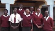 Die SchülerInnen aus Ugari sagen Danke
